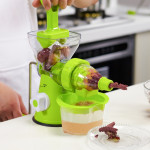 D569 Household ABS Manual Juice Cup Squeezer Fruit Reamers (Green)