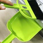 Mini Desktop Car Keyboard Sweep Cleaning Brush Small Broom Dustpan Set(Green)