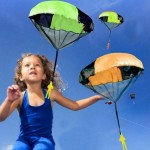Hand Throwing Mini Play Parachute Paratrooper Outdoor Games Children Educational Toys with Figure Soldier for Kids, Random Color